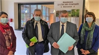 François VANNSON en visite à l'EHPAD de Plombières pour féliciter les soignants