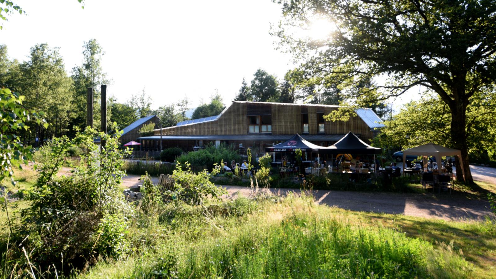 Le camping du Mettey détient l'éco-label européen pour son utilisation de sources d'énergie renouvelables,